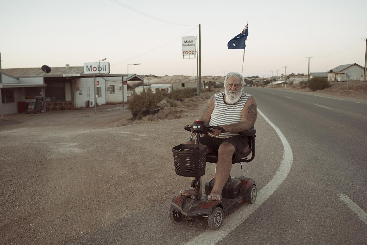 Award-winning Australian short documentary 'Rear View Mirror' set in Andamooka launches