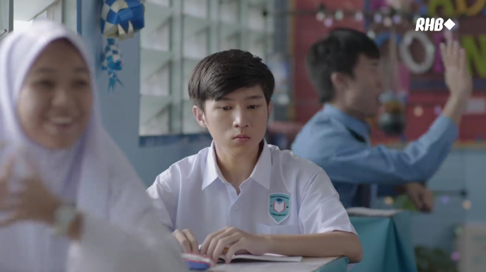 Breaking Barriers created by FCB Kuala Lumpur for RHB Group's Challenger Series is inspired by the true story of a teacher in the lead up to Hari Raya