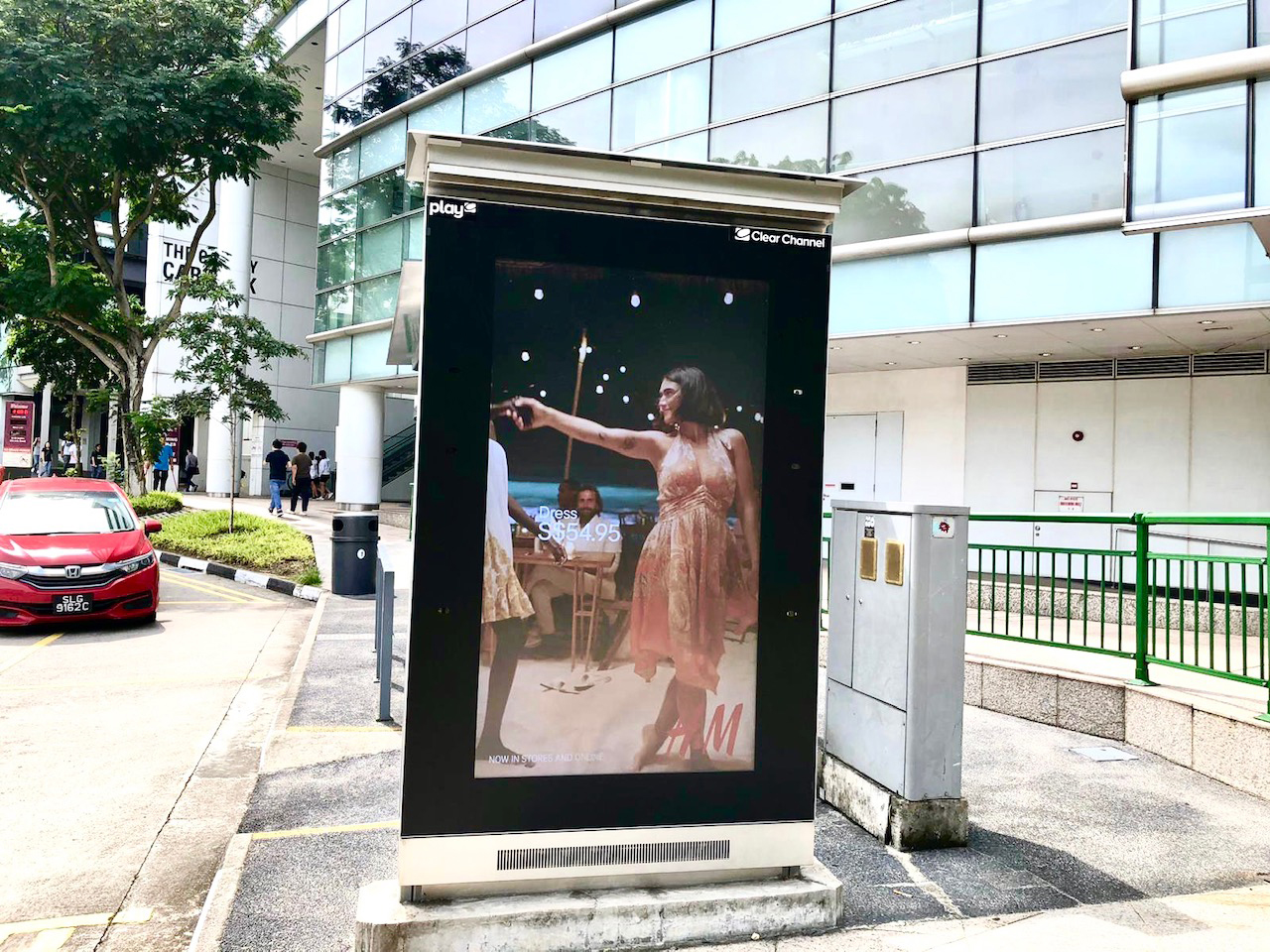 Clear Channel Singapore showcases advertisers on board its latest Play-In-Motion