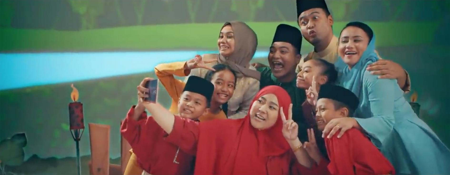 Malaysian Indie band turns KFC into musical instruments for Hari Raya, via Naga DDB Tribal
