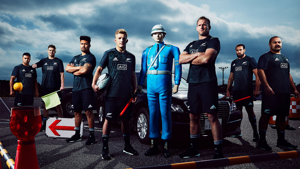 AIG Japan and TBWA\HAKUHODO show how not to drive in Japan with the help of the New Zealand All Blacks