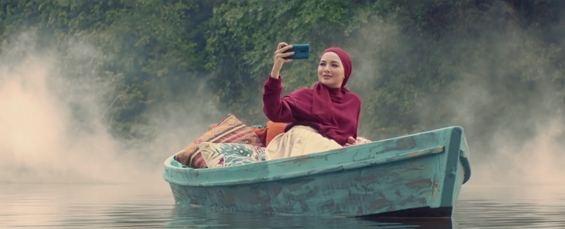 Oppo celebrates finding beauty even in the ordinary with two star-studded narratives created by Director's Think Tank + Grey Worldwide Malaysia
