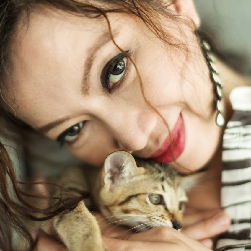 GREYnJ UNITED Bangkok partners with Regalos and the Cat Republic Club to keep cats fed during COVID-19