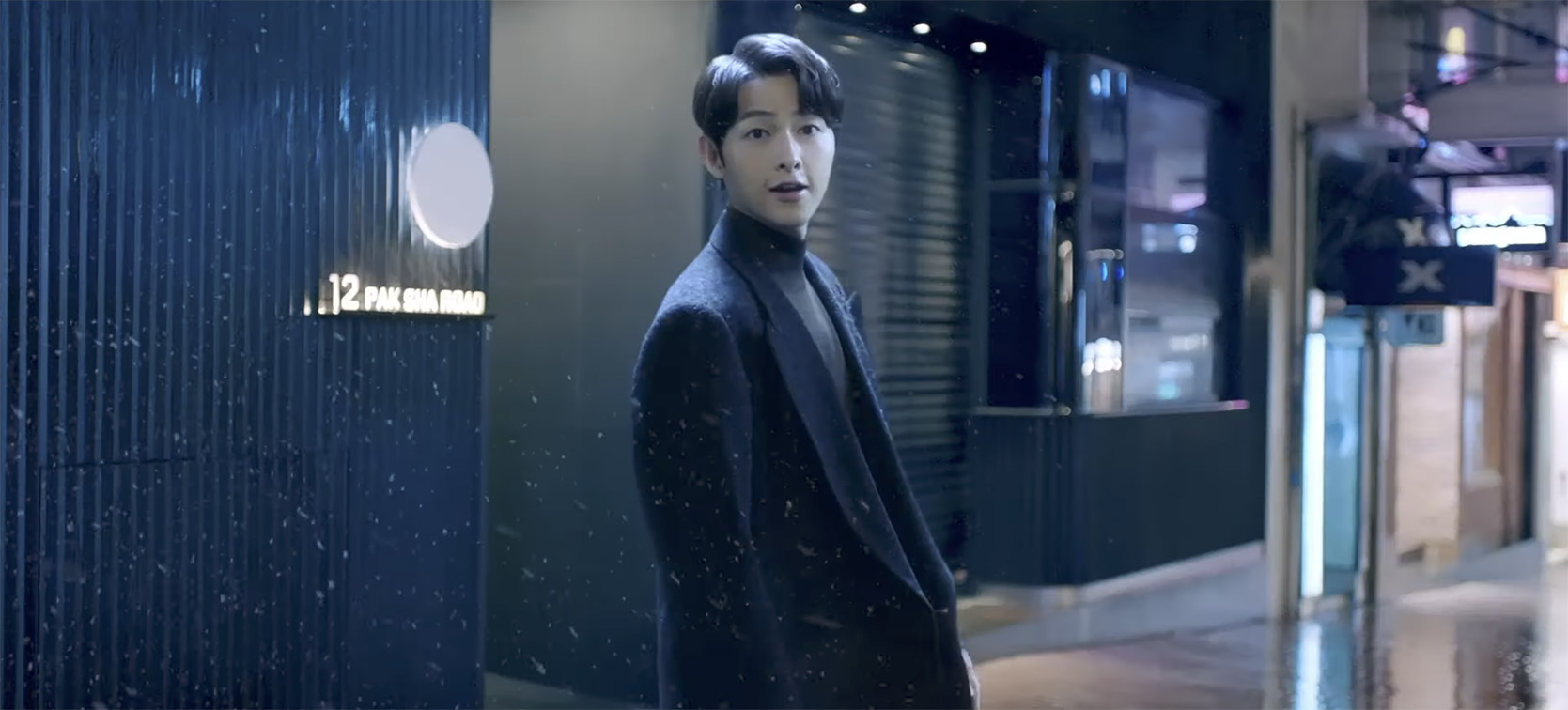 Standard Chartered, Cathay and Mastercard have launched a new campaign starring South Korean actor Song Joong-Ki via TBWA\Hong Kong