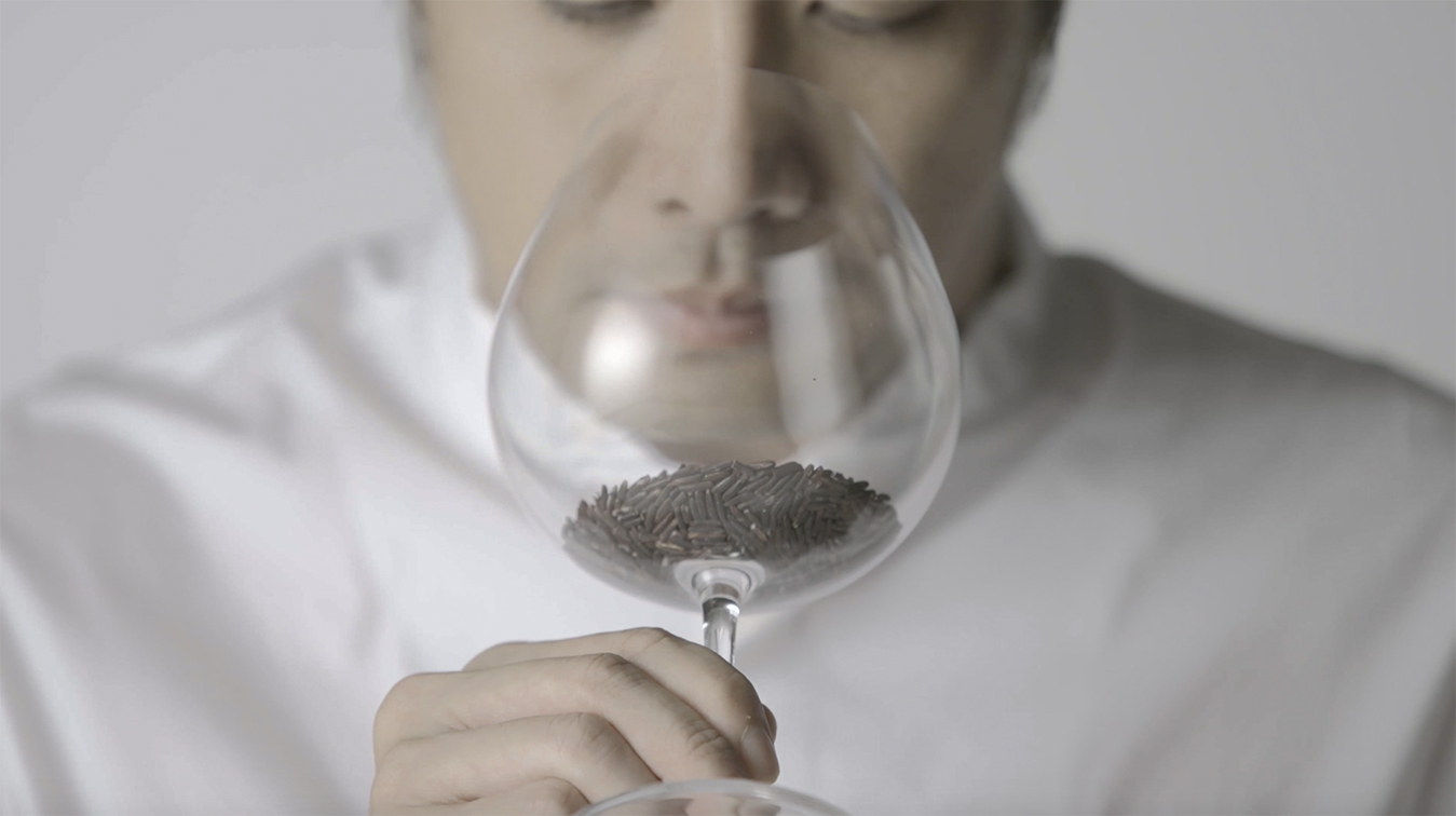 To highlight the various tastes of rice and friends studio in Thailand launched The Rice Sommelier campaign