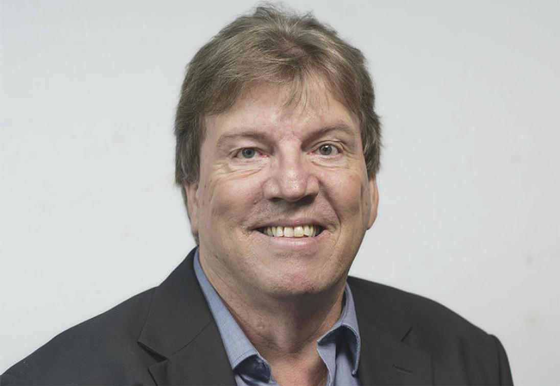 Perth radio icon Chris Ilsley returns to where he belongs on 6iX Sunday Nights in 2021.