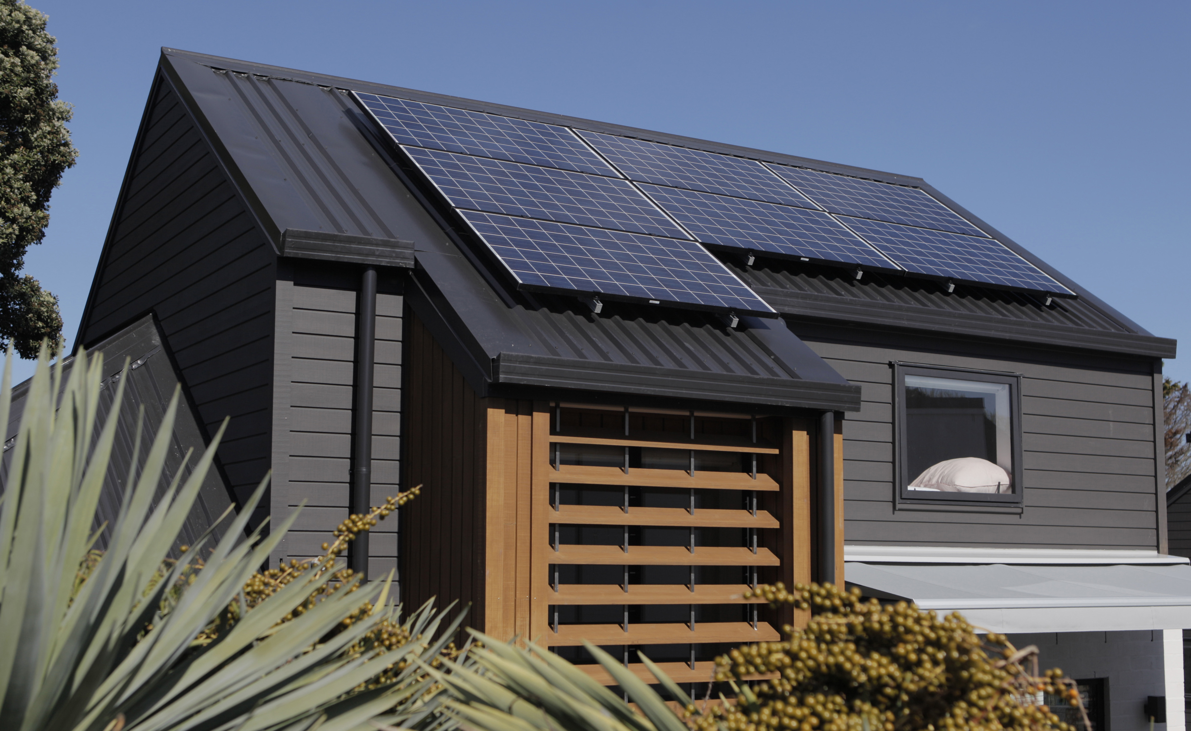 solarcity appoints Ikon Communications to handle media strategy and implementation